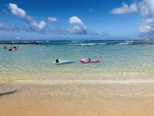 子連れ旅行の海の写真